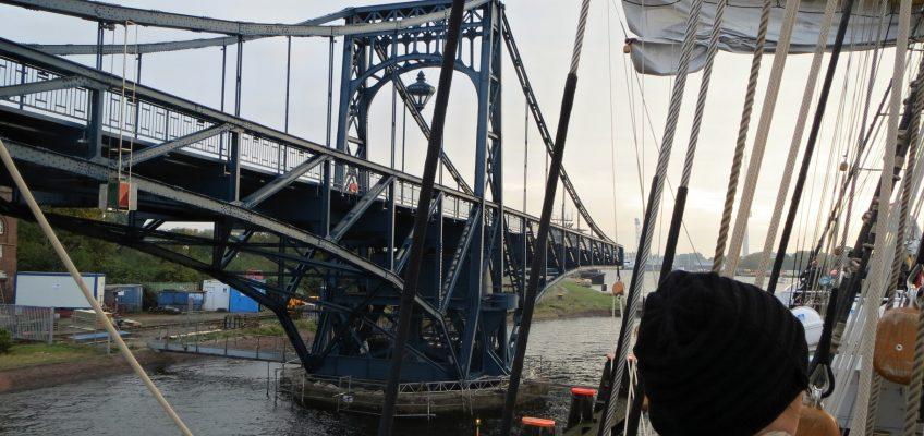 JWPC 2012, Auslaufen durch die KW-Brücke