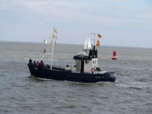 "Begleitschiff ""MÖWE"" beim Jade Weser Port Cup 2012"